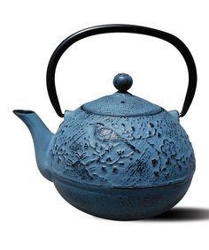 Crafted from iron and porcelain, this colorful teapot will enable you to brew and serve 24-ounces of delicious tea.