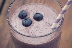 Get delicious and healthy smoothie recipes that make your skin look younger. | coconut smoothie