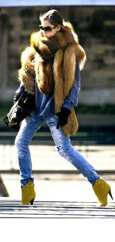 Discover this look wearing Olive Green Boots, Ripped Jeans, Black Gloves - Milan streetstyle by KayaKoi styled for Chic, Everyday in the Fall Fur Fashion, Look Fashion, Womens Fashion, Jeans Fashion, Fashion Images, Hm Outfits, Winter Outfits, Winter Wear, Autumn Winter Fashion