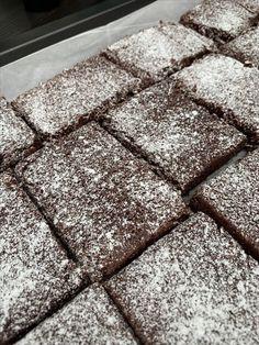 Ljuvliganina.com Fika, Dessert Bars, Smoothies, Sweets, Desserts, Recipes, Oscars, Muffins, Goodies
