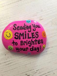 Sending you SMILES to brighten your day garden stone Pebble Painting, Pebble Art, Stone Painting, Painting Art, Painted Rocks Craft, Hand Painted Rocks, Painted Pebbles, Painted Stones, Rock Painting Ideas Easy