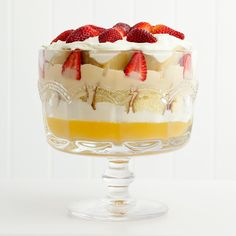 Create the perfect trifle for Christmas in this elegantly shaped Anna Gare glass bowl from Alfresco Emporium Trifle Cake, Trifle Dish, Trifle Recipe, Australian Christmas, Pineapple Rum, Christmas Desserts, Christmas Recipes, Serving Bowls, Dishes