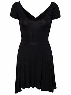 21a1ece70fda Cross Back Jersey Skater Dress - Club L - Schwarz - Partykleider - Kleidung  - Frau - Nelly.de Mode Online