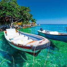 Off the coast of Cartagena, the Rosario Islands (Islas del Rosario) are a popular day trip. Visit Colombia, Colombia Travel, Cyber Monday Travel Deals, Countries To Visit, Destin Beach, Machu Picchu, Ecuador, South America, Latin America