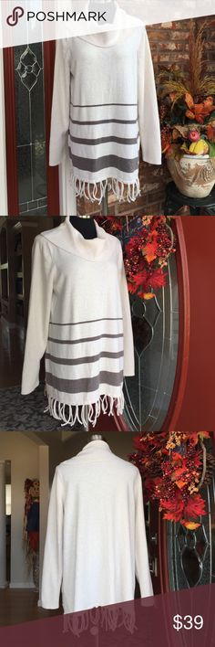 ❤️20% SALE Fringe Bottom Tunic Sweater w/Cashmere Oatmeal & Taupe Drapy Portrait/Cowl neck sweater with knot tied fringe, is where Classic meets Trend.  For a chic look, pair with tall, sexy boots! 👢👢❤️💋 excellent pre-loved condition.  No spots, snags, or pills.  MACHINE WASH gentle, TUMBLE DRY low.  Fabric:76%Cotton 15%Nylon 6%Cashmere 3%Spandex.     Bust20.5. Waist22. Hip24.5. Length26  Sleeve24. Knotted Fringe 3.5.   🚫No Trades /No PayPal 🏡Clean, Non smoking Home.   🎁I ship Same…
