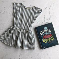 Vestido de la marca Búho Barcelona y Cuentos de buenas noches para dormir 9c188530c51