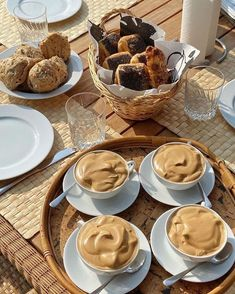 Think Food, I Love Food, Good Food, Yummy Food, Raffaello Dessert, Cafe Food, Aesthetic Food, Aesthetic Coffee, Brown Aesthetic