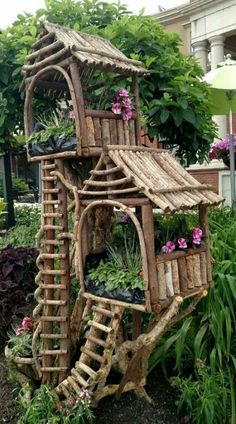 One for me, one for your guardian angels n Spirit Guides - Baumhaus - Cool Spirit House idea! One for me, one for your guardian angels n Spirit Guides - Baumhaus - Fairy Tree Houses, Fairy Garden Houses, Gnome Garden, Fairy Gardening, Fairies Garden, Garden Cottage, Garden Sheds, Garden Crafts, Garden Projects