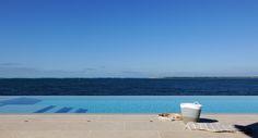 vue bassin d'Arcachon, maison de luxe Pyla sur  Mer- piscine miroir