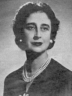 Carmen Polo de Franco (María del Carmen Polo y Martínez Valdés), nacida en Oviedo y esposa del dictador Francisco Franco. De ella sólo se dicen cosas negativas pero quien estudia su figura a fondo y por encima de los tópicos, puede encontrar algunas cosas positivas.