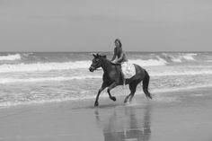 Ride a horse bareback along a beach. Beach Bucket, Quarter Horses, Good Ole, Horse Love, Sailors, Horse Riding, Storyboard, Dream Vacations, Fairytale