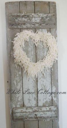 DIY::Simple heart shaped wreaths using wire,yarn and muslin