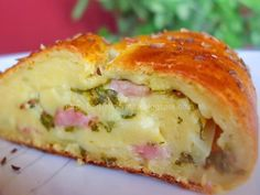 Potato Roulade (not in English) Breakfast Quiche, Breakfast Potatoes, What's For Breakfast, Breakfast Dessert, Breakfast Recipes, Ham Sandwich Recipes, Hungarian Recipes, Romanian Recipes, Romanian Food