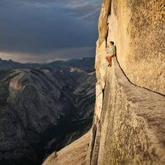 Alex Honnold just chilling on Thank God ledge.