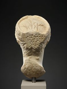 This head originally belonged to an honorary portrait statue of Mindia Matidia, or Matidia Minor (A. half-sister of Sabina, wife of the emperor Hadrian, and aunt of the emperor Antoninus Pius Roman Hairstyles, Antoninus Pius, Roman Sculpture, Roman Art, Marble, Statue, Portrait, Metropolitan Museum, Identity