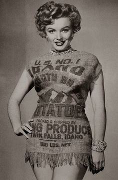 vintage everyday: Marilyn Monroe and the Potato Sack Dress, c.1951