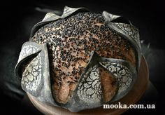 "Хлеб ""Тюльпан"" с черным кунжутом на Lievito Madre Bread Art, Pan Bread, Breakfast Pastries, Bread And Pastries, Artisan Bread Recipes, Bread Shaping, Pumpkin Chocolate Chip Bread, Bakery Business, Sourdough Bread"