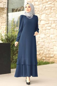 Hijab Evening Dress, Women's Evening Dresses, Abaya Fashion, Denim Fashion, Fashion Dresses, Simple Abaya Designs, Muslim Women Fashion, Hijab Fashion Inspiration, Frocks For Girls
