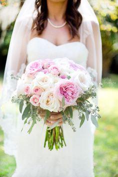 Bride's Bouquet | True Era Photography #bride #bouquet #roses #pink #white #country #wedding #weddingphotography #weddingphotographer #floridawedding #florida #naturallight