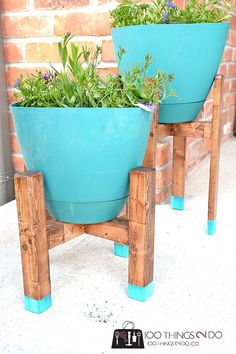 Plant Stand - West Elm Knock-off DIY Plant Stand, mid-century plant stand, West Elm inspired plant standDIY Plant Stand, mid-century plant stand, West Elm inspired plant stand Modern Plant Stand, Diy Plant Stand, Outdoor Projects, Garden Projects, Outdoor Decor, Outdoor Ideas, Garden Crafts, Backyard Ideas, Knock Off Decor