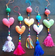 corazones amigurumis - Buscar con Google Love Crochet, Crochet Motif, Crochet Toys, Crochet Baby, Knit Crochet, Crochet Patterns, Yarn Crafts, Diy And Crafts, Patron Crochet