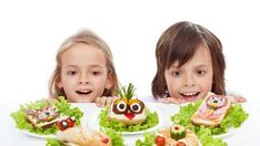 Photo about Kids discovering the the healthy sandwich alternative - creative food creatures on plates. Image of hamburger, family, discovering - 40467915 Vegetarian Breakfast Recipes, Easy Healthy Breakfast, Breakfast For Kids, Healthy Snacks, Healthy Recipe Videos, Healthy Recipes, Healthy Sandwiches, Snack Video, 100 Calories