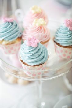 Pastel pink and blue wedding cupcakes Blue Wedding Cupcakes, Pastel Cupcakes, Blue Cupcakes, Pretty Cupcakes, Beautiful Cupcakes, Purple Wedding, Gold Wedding, Wedding Cakes, Mini Tortillas