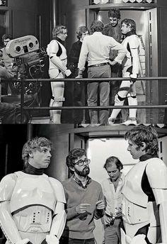 George Lucas, Mark Hamill, Harrison Ford and Peter Mayhew on the set of 'Star Wars: A New Hope' Star Wars Love, Star War 3, Death Star, Harrison Ford, Star Wars Cast, Star Trek, Star Wars Brasil, Princesa Leia, Episode Iv