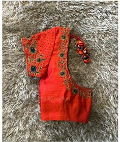 Simple Blouse Designs, Silk Saree Blouse Designs, Blouse Neck Designs, Baby Girl Dress Design, Embroidery Neck Designs, Bridal Silk Saree, Designer Blouse Patterns, Work Blouse, Computer Works
