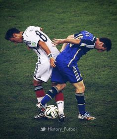 """""""Cracking photo of Mesut Özil and Lionel Messi battling for the ball. Germany Vs Argentina, Argentina Team, Argentina World Cup, Argentina National Team, Lionel Messi, Messi Vs, Messi And Ronaldo, Ozil Mesut, Messi World Cup"""