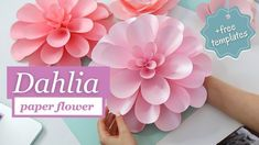 HOW TO MAKE DAHLIA PAPER FLOWER | gorgeous giant paper flower tutorial +... Paper Flowers Craft, Paper Flowers Wedding, Paper Flower Wall, Giant Paper Flowers, Flower Crafts, Flower Wall Backdrop, Diy Backdrop, Paper Dahlia, Dahlia Flower