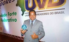 Vereador Flávio Eres (PCdoB) de João Dourado recebe pela terceira vez consecutiva 2015/2016/2017 o título de Vereador Destaque Nacional pela a UVB. Vereador Flávio Eres(PCdoB) de João Dourado recebe pela terceira vez consecutiva 2015/2016/2017 o título de Vereador Destaque Nacional pela a UVB ( União de Vereadores do Brasil) a premiaçao acontece todos os anos simultâneo a Marcha do Vereadores em Brasília anos anteriores eram selecionados 30 Vereadores de todo Brasil, este ano ape
