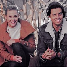 they make me sO HAPPY JUST BY LOOKING AT THEM 💕💘💖💗💓💞💝 ••• #lilireinhart #colesprouse #sprousehart #riverdale #bettycooper #jugheadjones… Best Tv Shows, Favorite Tv Shows, Lili Reinhart And Cole Sprouse, Bughead Riverdale, Drama Tv Shows, Betty And Jughead, River Dale, Disney Plus, Betty Cooper