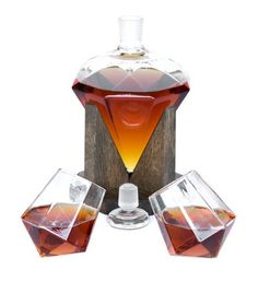 Diamond Shaped 1000ml Glass Liquor/Wine Decanter - Cullinan M Decanter - Great addition to any bar including home, basement bars, outdoor or sports bar. Makes a wonderful gift for birthdays, anniversaries, holidays. Check our high quality line of bar gifts, wine gifts, and liquor accessories! #bourbon #whiskey #birthday #homedecor Bar Gifts, Wine Gifts, Farmhouse Lighting, Rustic Lighting, Cafe Bar, Rustic Home Interiors, Whiskey Decanter, Whiskey Glasses, Diamond Shapes