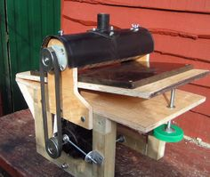 Used Woodworking Tools, Woodworking Lamp, Woodworking Joints, Woodworking Projects Plans, Diy Butcher Block Countertops, Shop Dust Collection, Homemade Machine, Diy Drums, Woodturning Tools