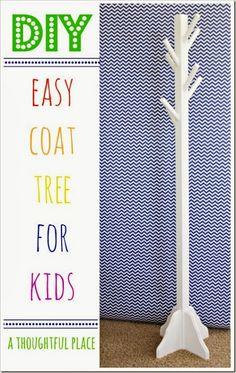 {DIY} Coat Tree for Kids (Ein nachdenklicher Ort) - Kleiderständer Woodworking Projects For Kids, Diy Wood Projects, Wood Crafts, Woodworking Plans, Woodworking Apron, Workbench Plans, Furniture Projects, Kids Furniture, Fashion Kids