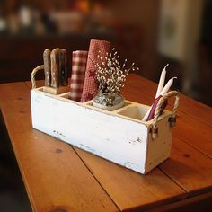 Primitive wooden caddy rustic utensil holder by TumbleweedCabin Wooden Projects, Wood Crafts, Diy Projects, Primitive Kitchen, Wood Boxes, Rustic Furniture, Furniture Design, Wood Pallets, Barn Wood