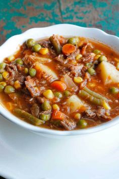 My Mom's Old Fashioned Vegetable Beef Soup is one of my all-time favorite comfort food recipes. It's a homemade vegetable beef soup that's quick and easy! Veg Beef Soup, Vegtable Beef Soup, Homemade Vegetable Beef Soup, Beef Soup Recipes, Beef Noodle Soup, Vegetable Soup Recipes, Beef And Noodles, Top Recipes, Cooking Recipes