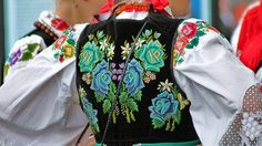 Polish Embroidery, Folk Embroidery, Historical Costume, Historical Clothing, Polish Folk Art, Folk Clothing, Folk Costume, My Heritage, Quilted Jacket