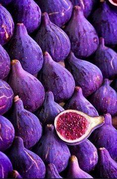 Feigen Ultra Violet Pantone Colour of the Year 2018 lila purple Purple Food, Purple Fruit, Purple Flowers, Rose Flowers, Exotic Flowers, 12 Recipe, In Natura, Purple Aesthetic, All Things Purple