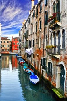 Venice – This weeks Travel Pinspiration on the blog is 8 Places to See in Italy