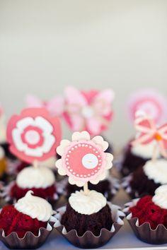 #cupcake  Photography: Pictilio - pictilio.com Floral Design: Avenue Florist - avenueflorist.net  Read More: http://www.stylemepretty.com/2012/03/21/backyard-bridal-shower-by-pictilio/