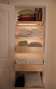 Pull-out drawers in linen closet--smart.everything is so accessible.no more towels stuck in the back of the closet. I basically think all shelves should have pull out drawers. Closet Organizer With Drawers, Closet Drawers, Pull Out Drawers, Closet Organization, Sliding Drawers, Closet Shelves, Sliding Shelves, Organization Ideas, Rolling Drawers