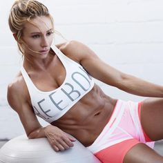 Paige Hathaway .. She's truly my fitspiration!!
