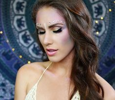 Love this mermaid makeup 🐠💄✨ Link in bio to shop tapestry! 📷@cassandrabankson