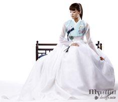 바이단 한복, love the modern waist Korean Traditional Dress, Traditional Fashion, Traditional Dresses, Oriental Dress, Oriental Fashion, Asian Fashion, Japanese Outfits, Korean Outfits, Modern Hanbok