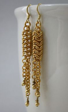 Gold Rain Roundmaille Chainmaille Earrings with Gold Beads