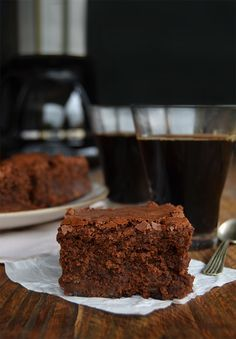 Brownies con dulce de leche y trocitos de chocolate Tasty Videos, Coffee Time, Bon Appetit, Sweet Recipes, Bakery, Sweet Treats, Deserts, Good Food, Cookies