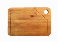 Con este trozo de madera le decimos a los niños que usen su imaginación y que creen con la madera algún objeto útil para su casa.