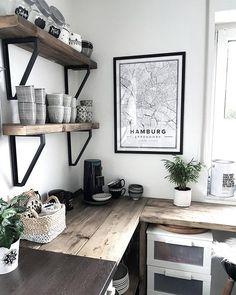 Mapiful.com  Lovely shelves!